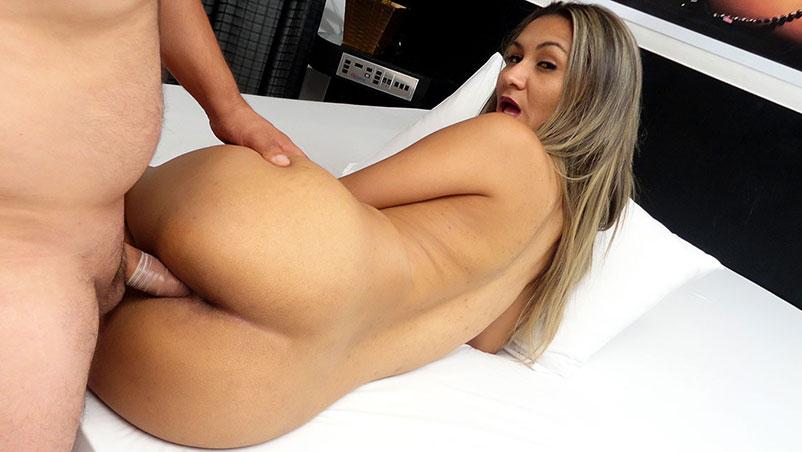 Manuella Maia teve seu primeiro porno no motel
