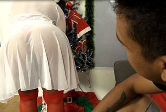 Minha Madrasta gostosa é meu presente de Natal!